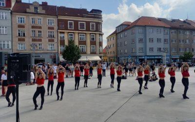 Mezinárodní den tance se 6dance